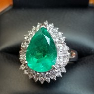 $10,000 Reserve 5.04Ct Emerald and Diamond Ring Platinum