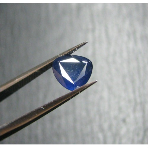 1.10CT TRIANGULAR CUT BLUE SAPPHIRE- SEPTEMBER BIRTHSTONE $1NR