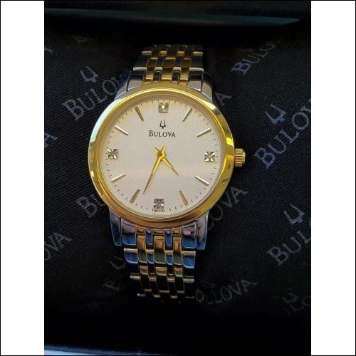 Estate Bulova Model #98P115 4 Diamond Ladies' Watch Like New in Box $1Nr